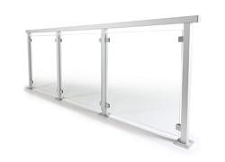 Glasrekkverk med aluminiumstolper